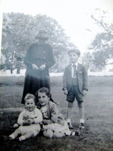 Alice Lambert, John Dale, Susan Dale with an Ollard baby, at Scallows Hall, Wold Newton, circa 1951.